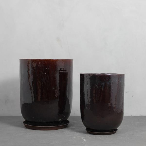 Mørkebrun glaseret krukke med underfad fra Greenify